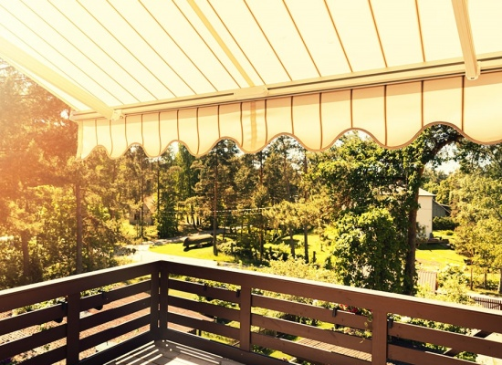 Store-Banne-Protection-Soleil-Terrasse